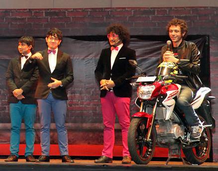 Rossi-dengan-Yamaha-New-Vixion