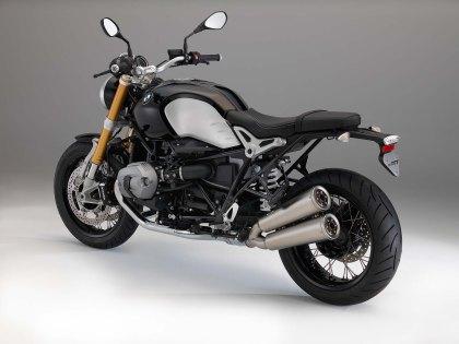 BMW-R-NineT-01