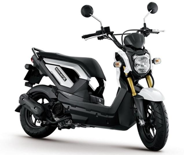 Honda Zoomer-X-Hitam Putih