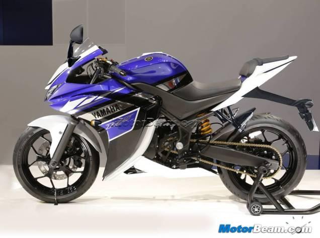 Yamaha R25 Renderan Produksi Masal-Tampak Samping