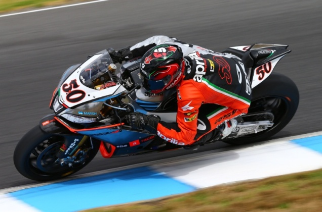 Sylvain Guintoli-Juara Race 2 WSBK Philip Island 2014