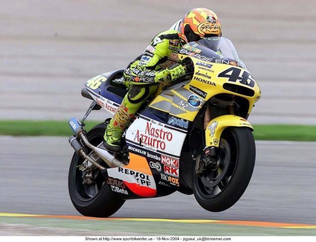 Rossi With Honda NSR500-Juara MotoGP 500cc Tahun 2001