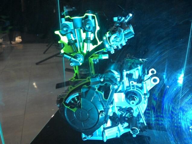 Mesin Yamaha R25-Sumber TmcBlog