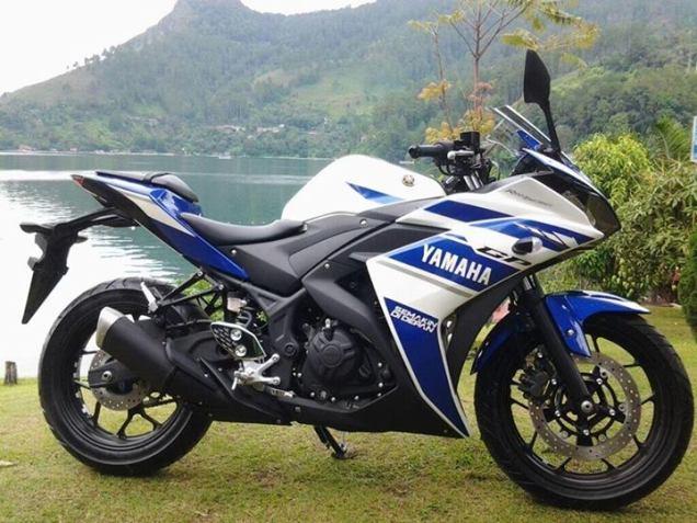 Yamaha R25-Tampak Samping rizky.arif.wahyudi